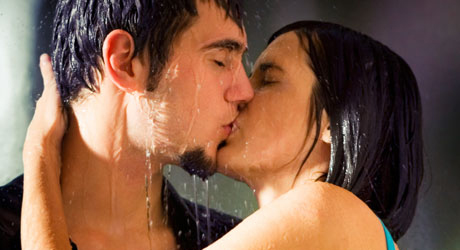 bodycontact in the rain